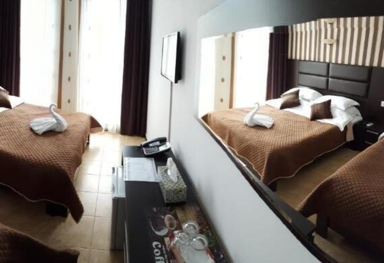 Hotel Solea Beach, Constanta, Family Triple Room, Guest Room