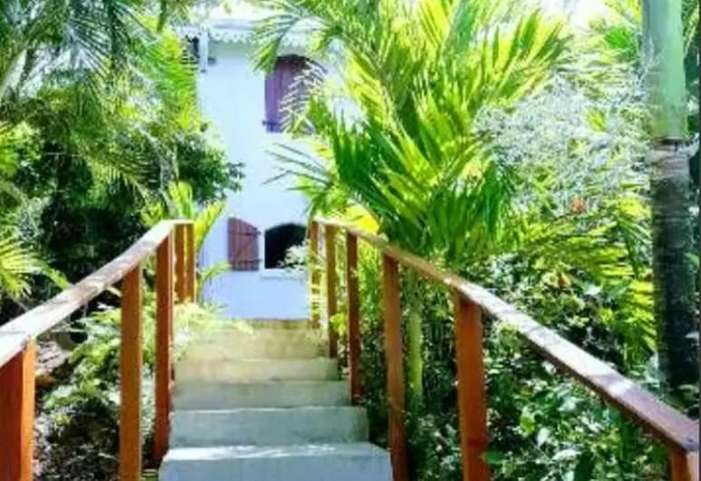 Studio in Le Marin, With Furnished Garden and Wifi - 3 km From the Beach, Le Marin, Garden