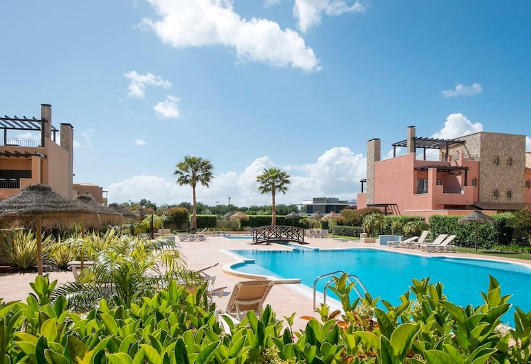 Apartment With 2 Bedrooms in Vilamoura, With Wonderful City View, Shared Pool, Terrace - 9 km From the Beach, Vilamoura, Kolam