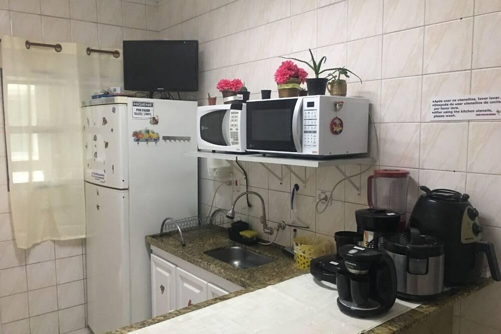 חדר מעונות משותף (22 pessoas) - מטבח משותף