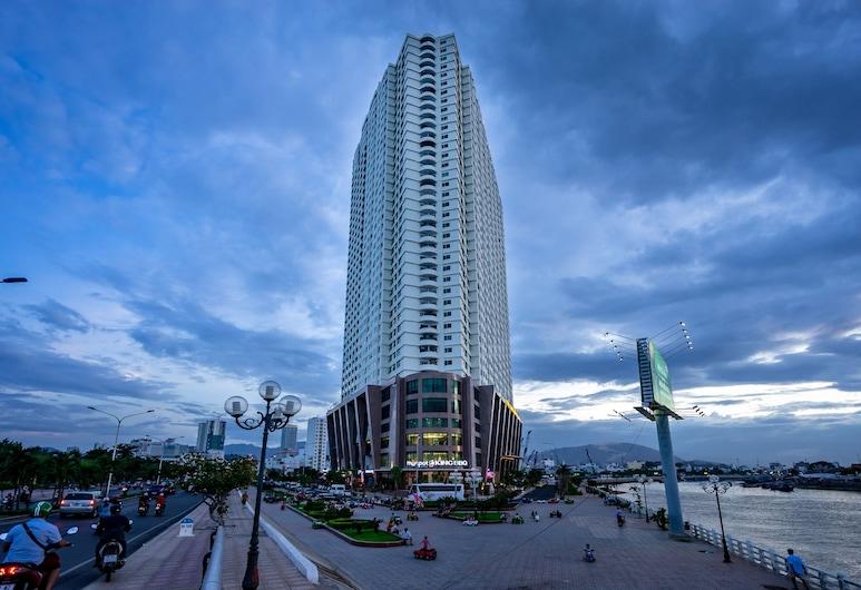 Skyline Serviced Apartments, 芽庄, 住宿正面 - 晚上