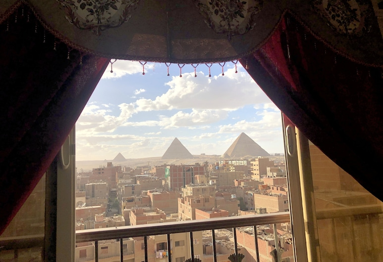 Magic Pyramids View Accommodation, Giza