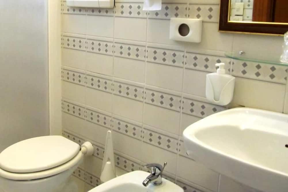 Classic Μονόκλινο Δωμάτιο - Μπάνιο