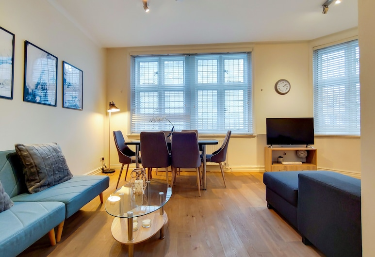 Modern 2 Bed & 2 Bath- Leicester Square, London