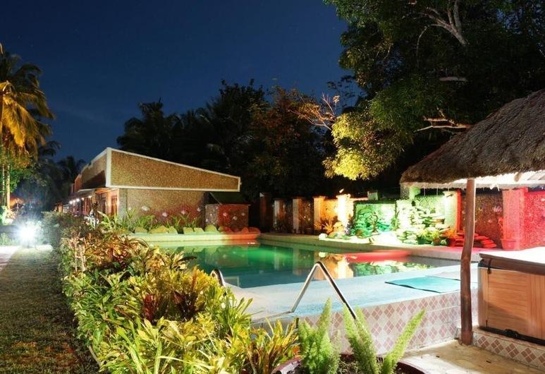 Coopers Beach Resort, Puerto Princesa