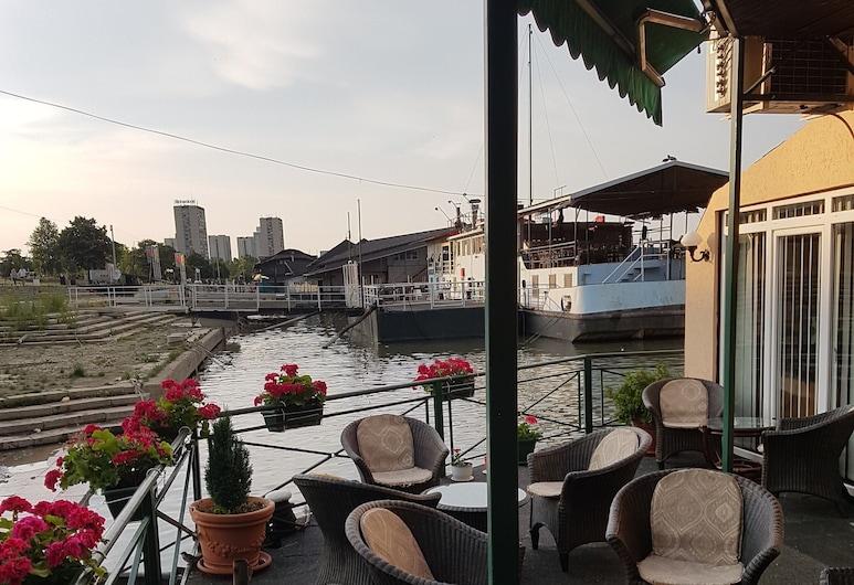 Hostel Otard, Belgrad, Basic-Doppelzimmer, Terrasse/Patio