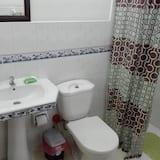 Exclusive Triple Room - Bathroom