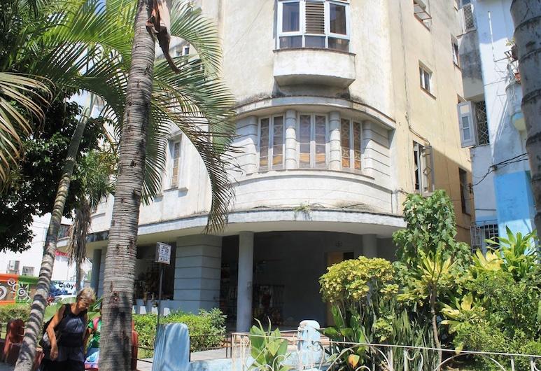 Casa Familia García Morales VEDADO, Havana, Hotel Front