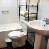 Exclusive Quadruple Room - Bathroom