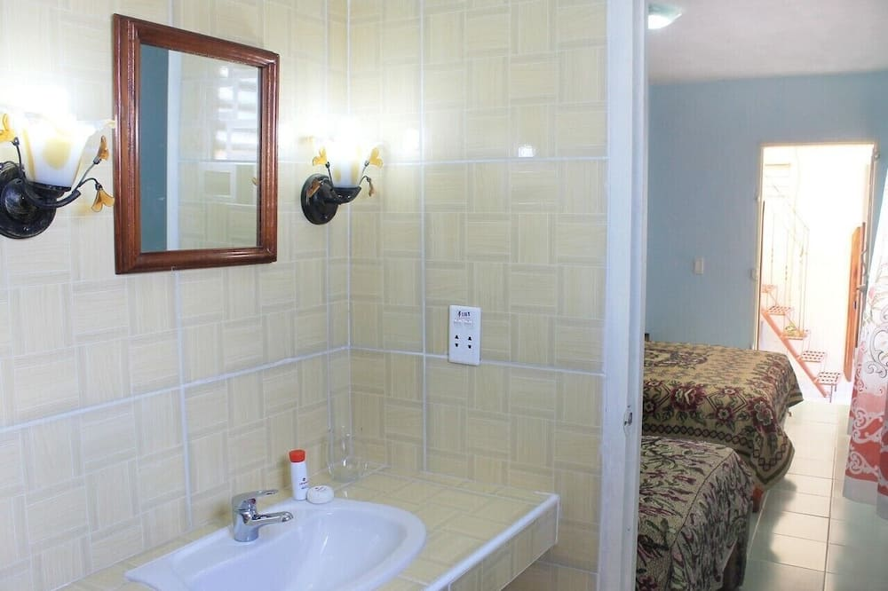 디럭스 트리플룸 - 욕실