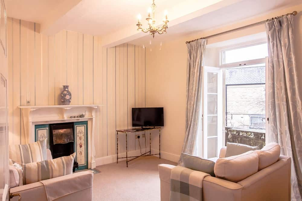 Apartment, 1 Bedroom (Bakewell Tart or Pudding) - Living Room