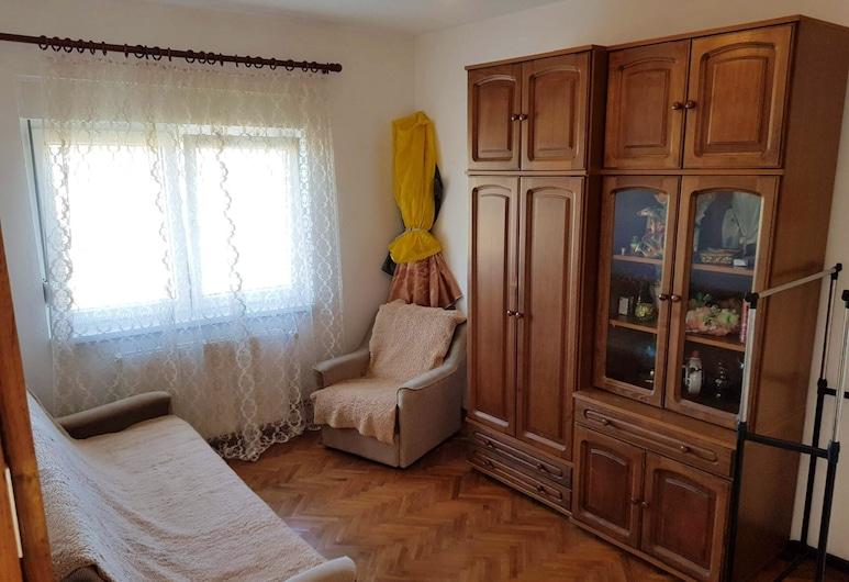 Villa With 4 Bedrooms in Skugri? Gornji, With Private Pool, Balcony and Wifi, Modrica, Vila, výhľad na záhradu, Izba