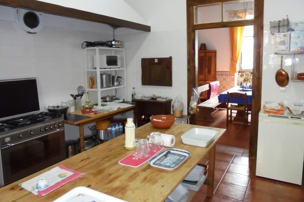 Traditional - kolmen hengen huone (1) - Jaetut keittiötilat