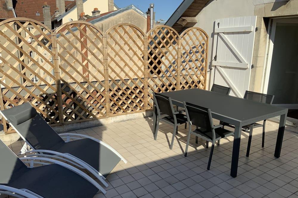 Luxury Apartment, Private Bathroom, City View (Terrasse - 4 étoiles) - Balcony View