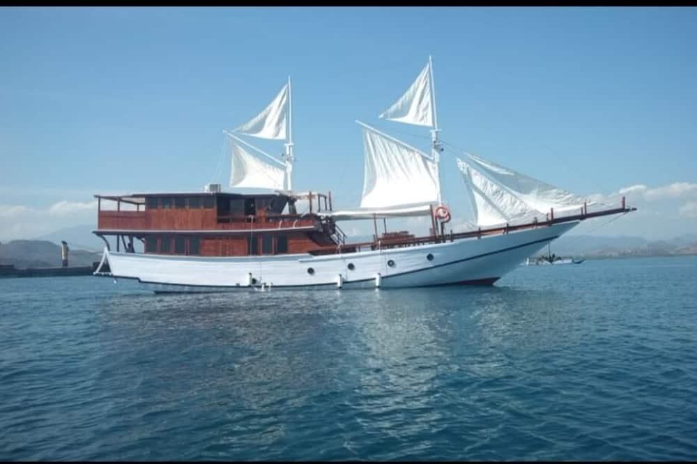 Sumba Ocean Phinisi