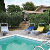 Holiday House for 8 Persons With Pool