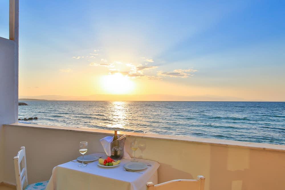 חדר זוגי, מרפסת, נוף לים - נוף לחוף/לאוקיינוס
