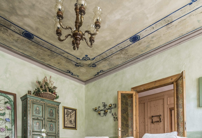Ancient Palace in the Historic Center, Magical Period Atmosphere, Every Comfort, Chiavenna, Różne
