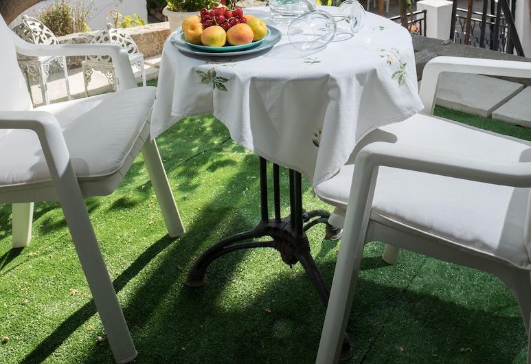 Luxurious Suite Maria , Agios Nikolaos, Vakarienės lauke