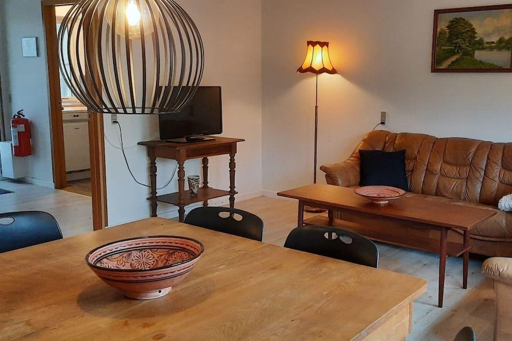 Apartment, 2 Bedrooms, Non Smoking, Terrace - Living Area