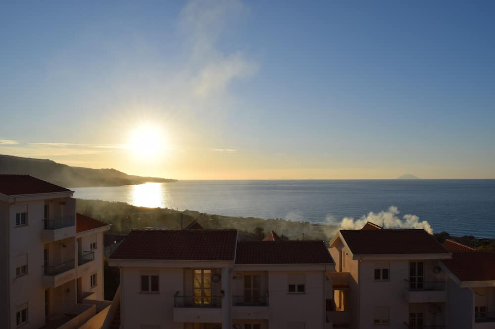 Casa Olivero Exclusive Holiday Apartment Rental With Seaview & Communal Pool