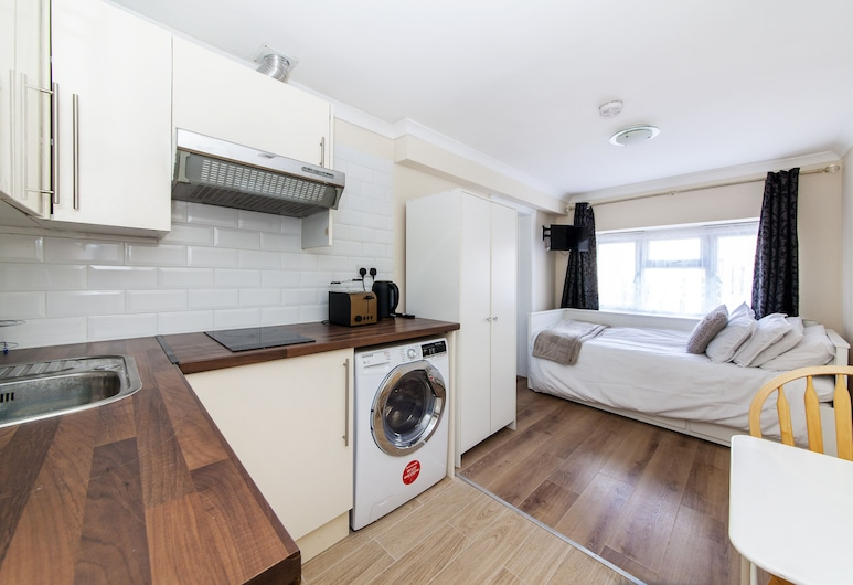 TH Serviced Apartment London, Northolt, Studio, Ensuite, View from property