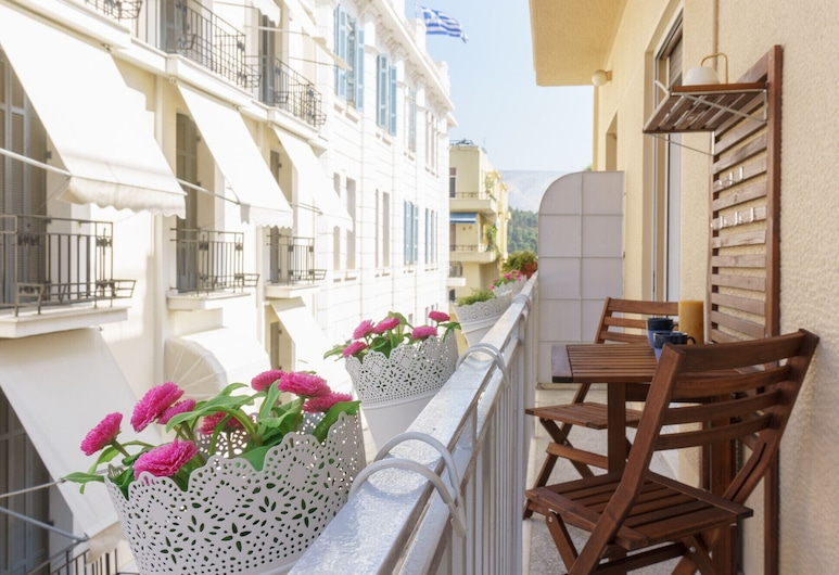 Tiffany's Luxury 2BR in Plaka With Acropolis View, أثينا, شُرفة