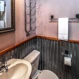 Cabin, 1 Queen Bed, Patio, Garden View - Bathroom