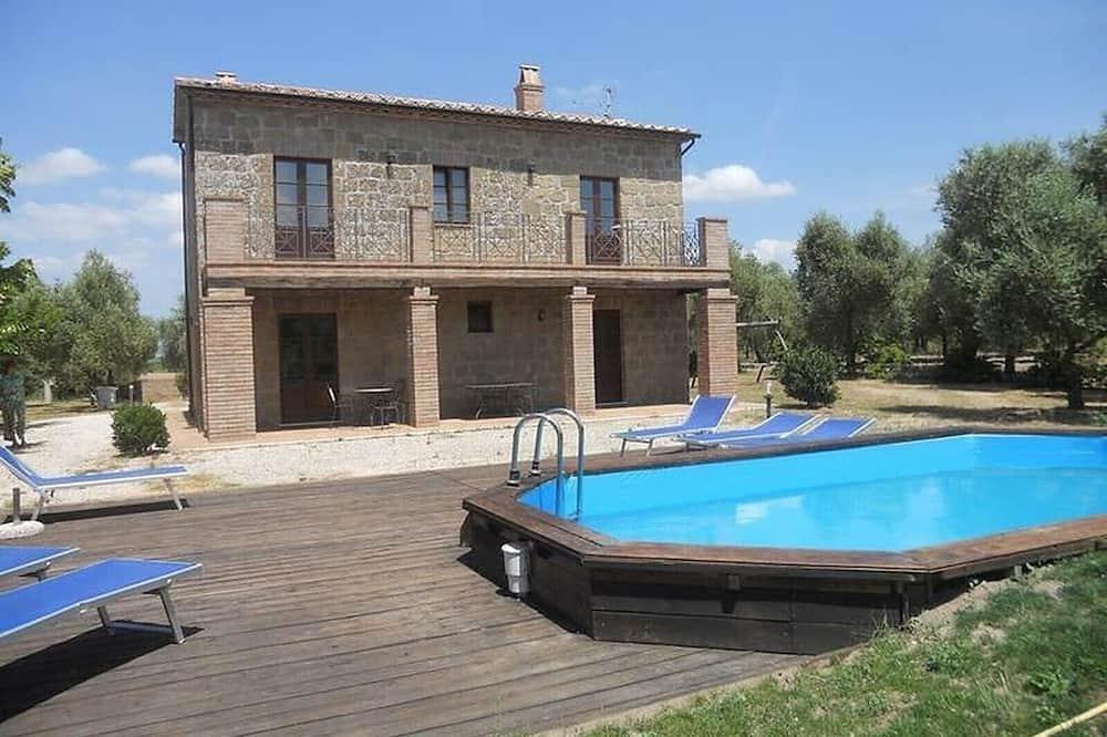 Apartment in Farmhouse Tenuta Roccaccia