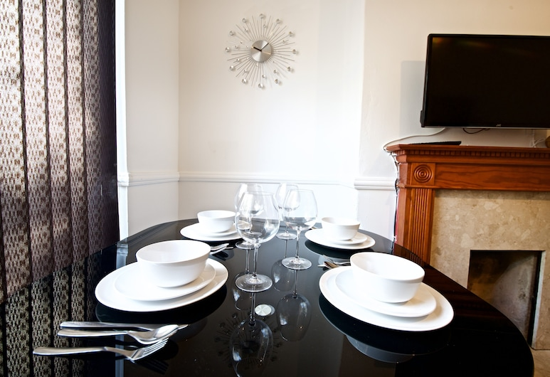Liverpool City Stays - Lawrence Road CC1, Liverpool, Classic Double Room, Shared Bathroom, Lounge