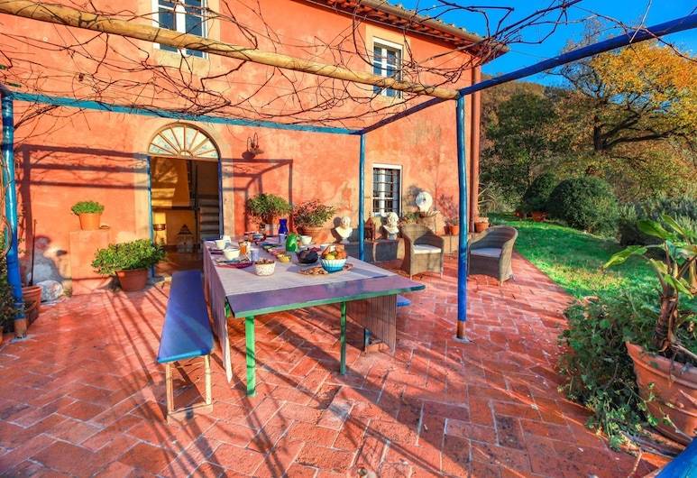 Casa Colli by Vacation in Lucca, 卡馬約雷
