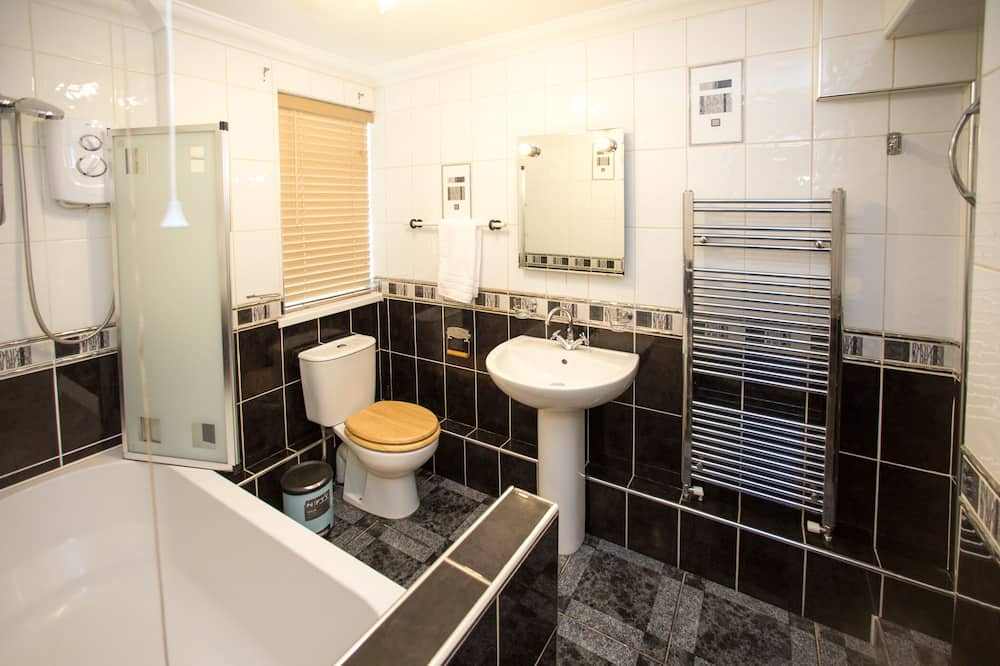 Deluxe Cottage, Private Bathroom (43 BBEscapes) - Bathroom