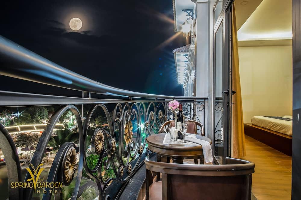 Deluxe-Zimmer, 1King-Bett, Gartenblick - Balkon