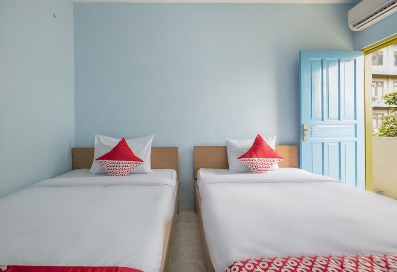 Rf Homestay, Makassar, Deluxe Twin Room, Guest Room