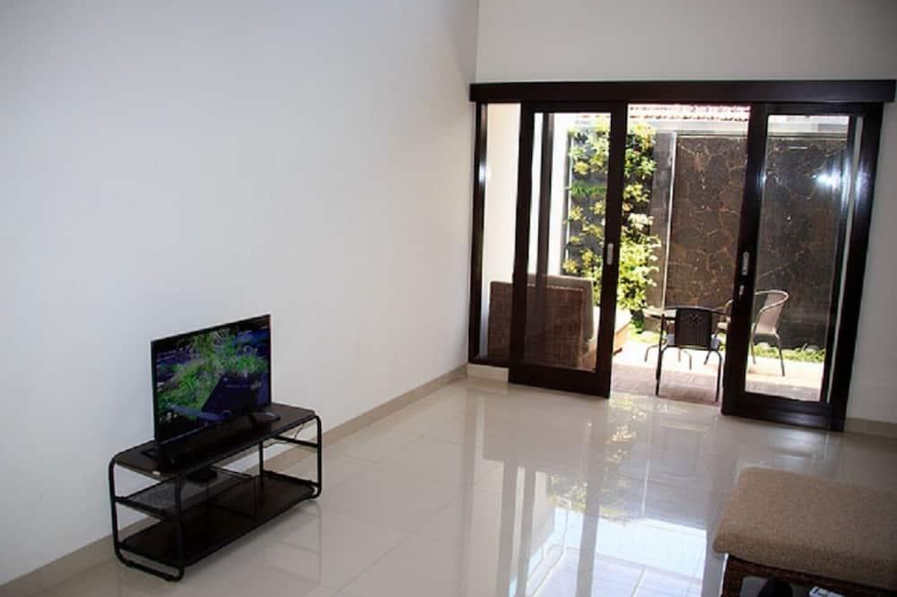 Rumah Mutiara Family Home - Living Area
