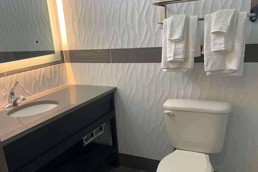 スタンダード ルーム クイーンベッド 1 台 禁煙 バルコニー - バスルーム