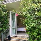 Deluxe kahetuba, 1 lai voodi, vaade aeda - Vaade aiale
