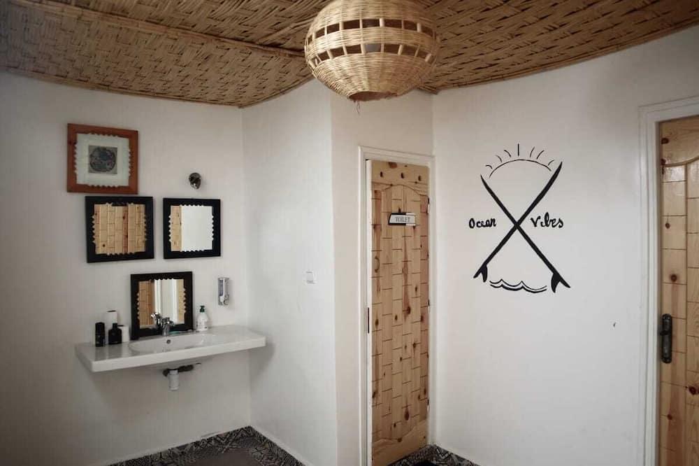 ห้องพักรวม, ห้องน้ำรวม - ห้องน้ำ