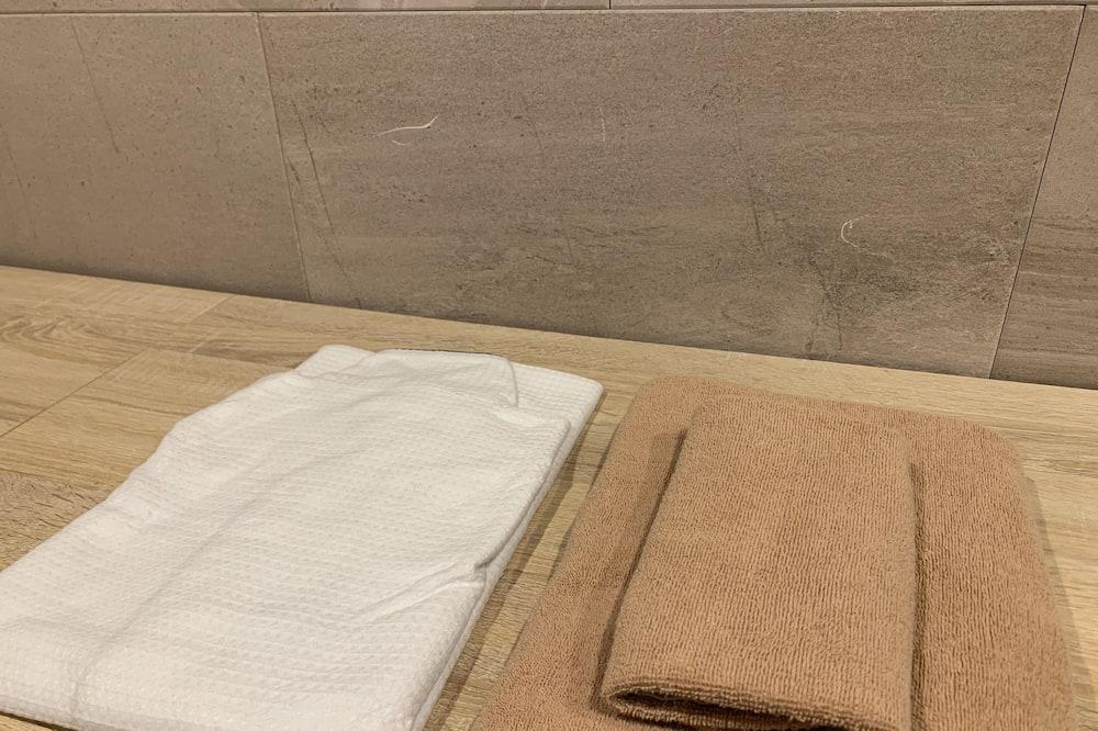 Liukso klasės dvivietis kambarys (2 viengulės lovos) - Vonios kambario patogumai
