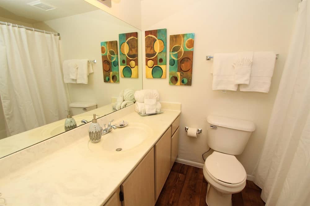 Apartment, 1 Queen Bed, Private Pool, Mountain View - Bathroom
