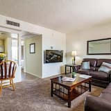 Apartment, 1 Queen Bed, Private Pool, Mountain View - Living Room