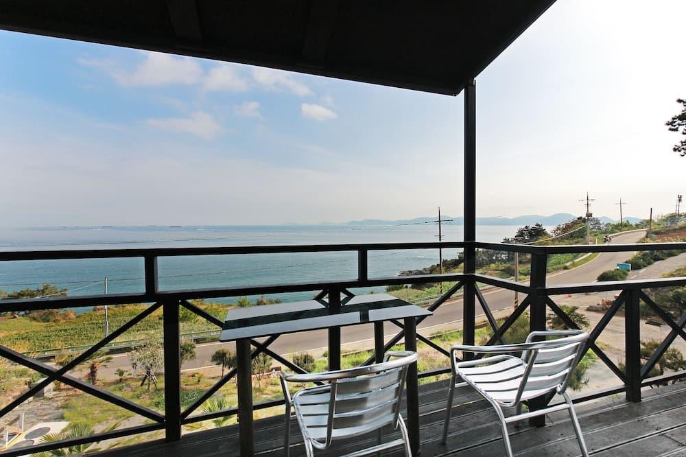 Kambarys (Bus stop) - Balkonas