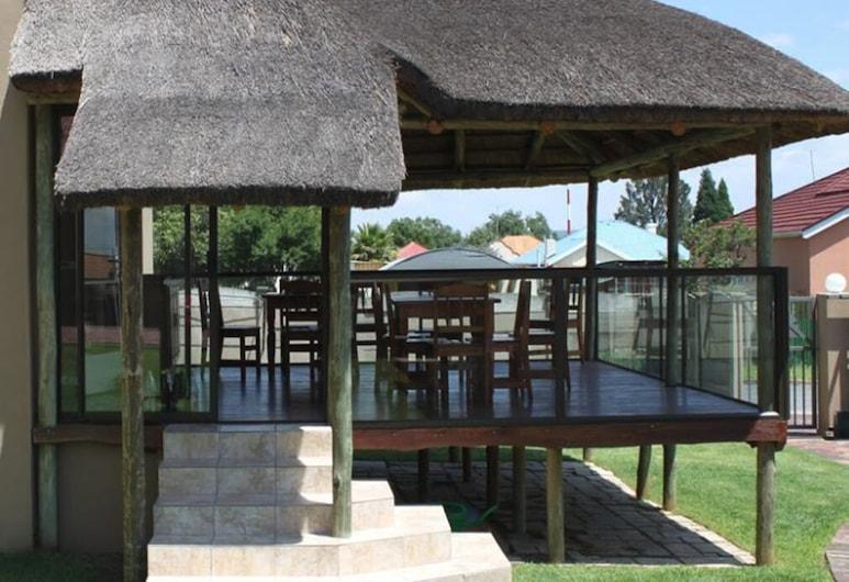Die Suidwester Gastehuis, Ngwathe, Exterior