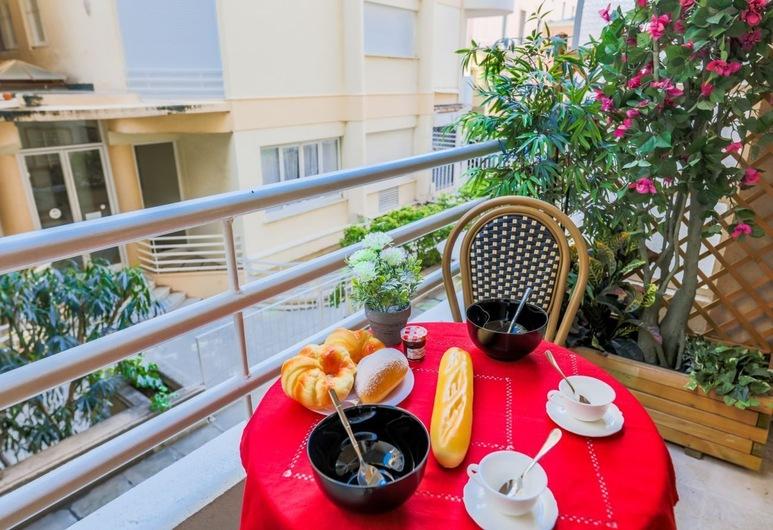 SQUARE MEYERBEER AP4178 By Riviera Holiday Homes, Nice, Lejlighed, Altan