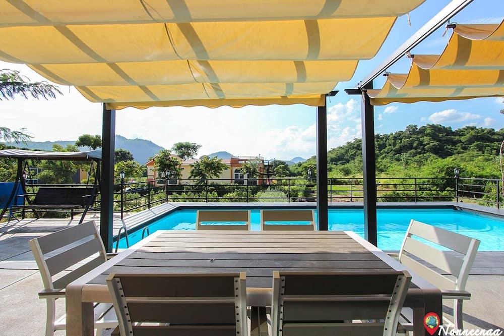 3 Bedrooms with Private Pool Villa - Ruang Tamu