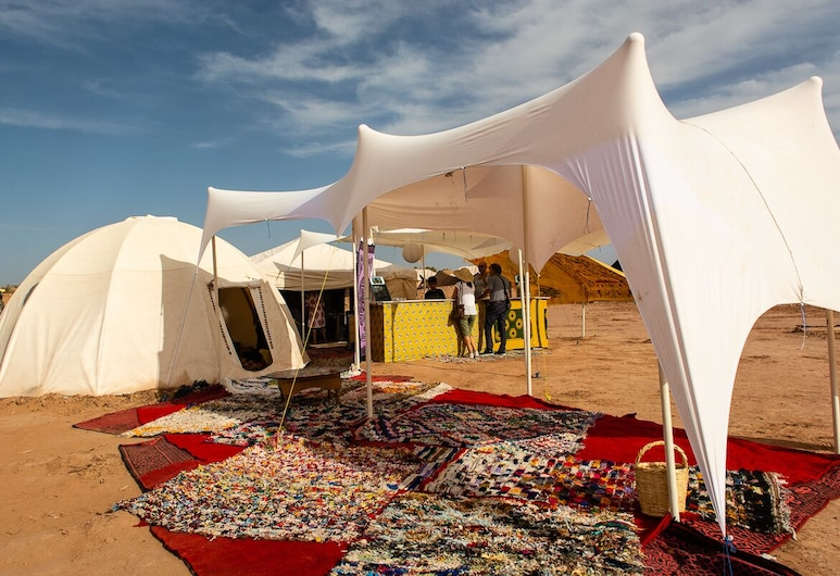 Bivouac Joudour Sahara, M'Hamid El Ghizlane, Αίθριο/βεράντα