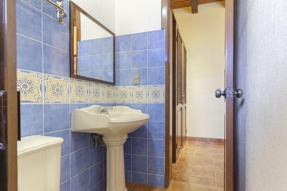 標準客房, 2 張加大雙人床 - 浴室