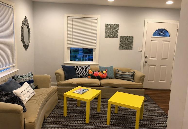 Kommen Sie und Haben Sie Eine Tolle Zeit im Terrific Tst House!, Washington, Wohnzimmer