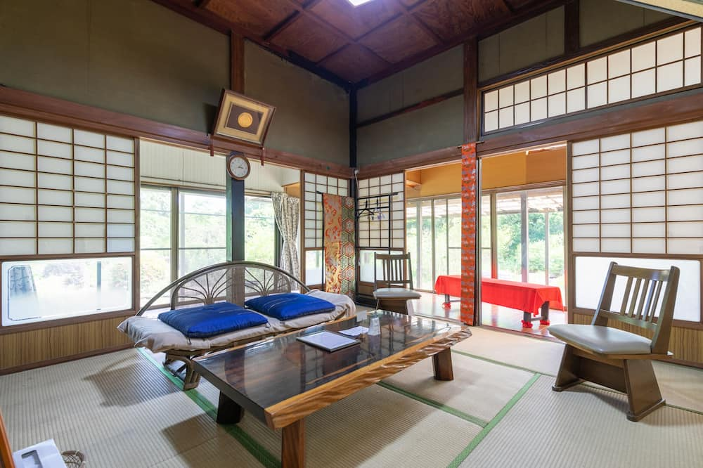 Homestay Family Room - Room