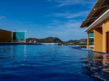Picture of Capital O Fabulous Hotel Las Vegas in Zihuatanejo